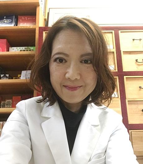 雙玉堂滝澤薬局店主